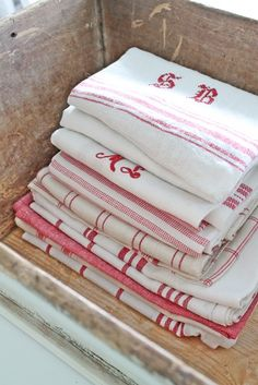 Always have loved towels in red-white !
