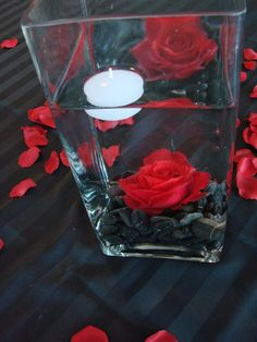 Simple centerpiece for red and black wedding