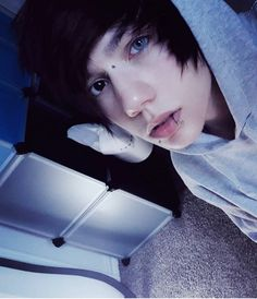 You can find Emo guys and more on our website. Cute Emo Guys, Hot Emo Boys, Emo Love, Cute Boys, Scene Guys, Emo Scene, Emo People, Hair Cute, Scene Makeup