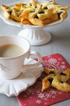 Haikaranpesä kodiksi. French Christmas, Christmas Time, Finnish Cuisine, Holiday Mood, Christmas Treats, Christmas Cookies, Finland, Holiday Recipes, Good Food