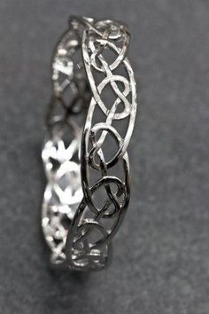 Celtic Jewellery | Heart knot Bangle | Stirling Silver | Pendant | knots | Celtic My Way | Silver | Jewellery