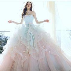 #weddingdress #dress #flowerdress #promdress #brides #ウエディングドレス#ドレス#カラードレス #プレ花嫁 #花嫁#結婚式 #きれい#小花 #グラデーション#パステルカラー #エアリー#kiyokohata#キヨコハタKH_0385