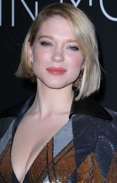 Léa Seydoux at the 2018 Kering Women in Motion Awards Dinner in Cannes. Russian Beauty, French Beauty, Lea Seydoux Style, Star Francaise, Bond Girls, Marilyn Monroe Photos, Korean Beauty, Poses, Beautiful Actresses