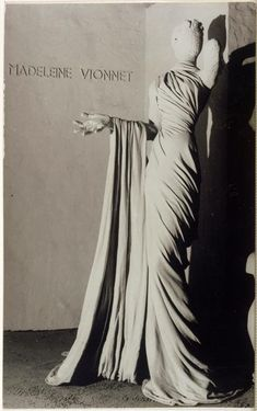 Model for Madeleine Vionnet through the lenses of Alfred Otto Wolfgang Schulze aka Wols, Madeleine Vionnet, Charles James, Mode Vintage, Vintage Love, 1930s Fashion, Vintage Fashion, Edwardian Fashion, Bias Cut Dress, French Fashion Designers