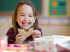 Looking for some tips and ideas to simplify back to school lunches? Here are three great suggestions
