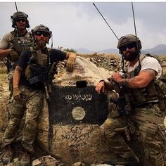 As long as symbols of hate and evil exist, we'll keep posing next to them when we tear it down piece by piece. Navy Special Forces, Special Forces Gear, Military Special Forces, Special Ops, Us Green Berets, Army Green Beret, Military Girlfriend, Military Love, Military Spouse