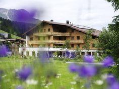Hotel Aurora Lech lädt ein zum Sommer der Kultur - SPAworld Cabin, Sport, House Styles, Holiday, Dreams, Culture, Summer, Art, Vacations
