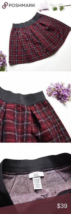 JOE B By Joe Benbasset Burgundy Plaid Skirt - L Beautiful Comfy Trendy Skirt  •Size Large •Pre Owned in great condition •No pets, Non Smoker Home •Bundle with at least one more item for a private discount Joe B Skirts