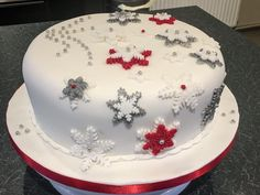 Christmas Themed Cake, Christmas Cake Designs, Christmas Cake Decorations, Christmas Cakes, Christmas Sweets, Christmas Cooking, Fondant Cake Toppers, Cupcake Cakes, Cake Competition