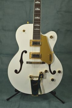 Gretsch G5420T Electromatic Hollowbody Electric Guitar - White - Indian Creek Guitars