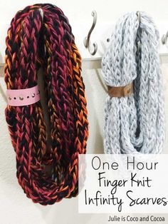 Finger Knit Infinity Scarves A quick and easy knit project that anyone can make! Finger knit infinity scarves that can be finished in an hour.A quick and easy knit project that anyone can make! Finger knit infinity scarves that can be finished in an hour. Finger Crochet, Hand Crochet, Crochet Pattern, Crochet Granny, Free Pattern, Finger Knitting Projects, Knitting Tutorials, Knitting Ideas, Beginner Knitting Projects