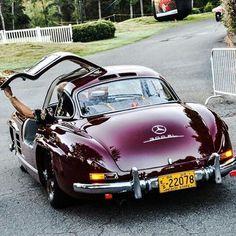 Wat vind je hiervan? https://pin.it/xvweq5mo3flg3c beautiful Mercedes
