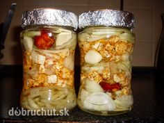 Nakladaný hermelín Russian Recipes, Preserves, Dips, Mason Jars, Oatmeal, Frozen, Food And Drink, Favorite Recipes, Canning