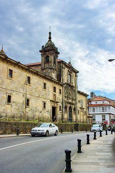 Convento de las Merecedarias. Su fachada se debe a Mateo de Prado, una de las más destacadas figuras de la escultura barroca gallega.