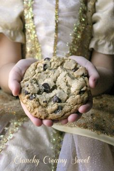 cook's illustrated Perfect Chocolate Chip Cookies made by Anna @ Crunchy Creamy Sweet