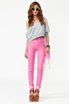 LOVE the pink skinny jeans :)