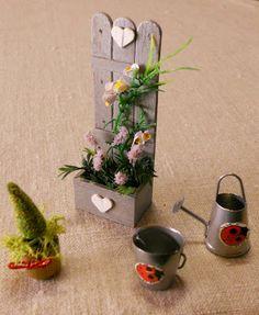 Emilia's home Havumetsäntiellä Popsicle Stick Houses, Popsicle Stick Crafts, Craft Stick Crafts, Pop Stick Craft, Stick Art, Craft Sticks, Miniature Crafts, Miniature Fairy Gardens, Diy Crafts Crochet