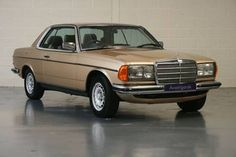 MERCEDES BENZ 280CE  (1985) Mercedes E Class Coupe, Mercedes Benz Cars, Classic Motors, Classic Cars, Merc Benz, Garage, Classic Mercedes, Maybach, Retro Cars