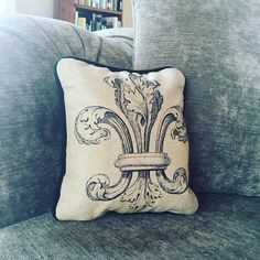 Beautiful gift from my sister She is so talented and has exquisite taste. Who else would print their own linen and make their own black velvet piping?  Thank you Catherine @__valerine #cushion #christmasgift #homedecor #fleurdelys