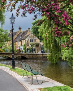 The Cotswolds are an area of the English countryside famous for their quaint, stone houses and thatched roofs, and perfect for a day trip from London!