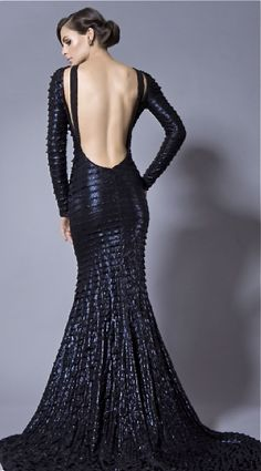 If you happy and you know it...show your back.  Dress no. 2...impress your guest.