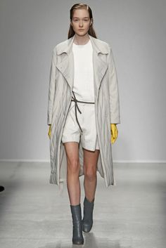 Christian Wijnants RTW Fall 2014 - Slideshow