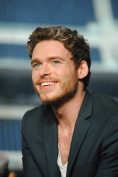 Even more adorable Richard Madden Nerd HQ Panel being adorable