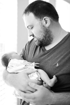 must have newborn and dad photo