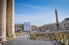 Bazilica Sf. Petru din Vatican  Bazilica Sf. Petru din Vatican, mai mult decât o catedrală - galerie foto.  Vezi mai multe poze pe www.ghiduri-turistice.info Sf, Vatican, San Francisco Skyline, Travel, Viajes, Destinations, Vatican City, Traveling, Trips