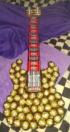 Geschenk - Süßigkeiten-Gitarre für Musiker - - - - - -- Delicious chocolate guitar gift idea with Kind of tutorial
