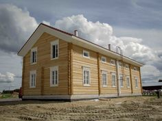 Contemporary house after the traditional Finnish farmhouse model. Kitinoja new suburb with traditional style Swedish House, Love Home, Scandinavian Home, My House, Beautiful Homes, Home And Garden, Home Fashion, Cottage, House Design