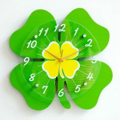 DIY Four Leaf Clover Wall Clocks Cute Children Bedroom Wall Stickers Fashion Personality Modern Clock Wall Clock Ikea, Wall Clock Online, Diy Crafts Slime, Craft Stick Crafts, Clock Art, Diy Clock, Kids Room Wall Decals, Cool Clocks, Flower Background Wallpaper