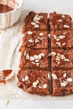 SØTPOTET BROWNIE | uten sukker, mel eller melk - Fitfocuse Amazing Cakes, Tea Time, Healthy Life, Nom Nom, Good Food, Food And Drink, Sweets, Baking, Desserts