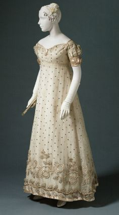 Beautiful evening gown, c.1817