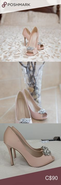 High heels / pumps Blush coloured heels from Le Chateau. Worn once on wedding. High Heel Pumps, Pumps Heels, Plus Fashion, Fashion Tips, Fashion Trends, Blush Color, Closet, Wedding, Things To Sell