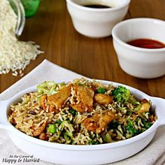 #newblogpost. #Chicken #friedrice is quick, delicious and comforting. What more do you want? Find #recipe #ontheblog. Find #linkinprofile. #happyandharried #rice #stirfry #vegetables #soysauce #redchiliflakes #f52grams #foodporn #foodstyling #photostyling #indianfoodbloggers #Asian
