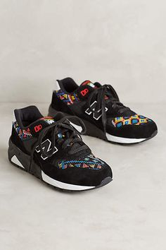 New Balance 580 Sneakers Crazy Shoes, Me Too Shoes, Best Sneakers, Shoes Sneakers, Sock Shoes, Shoe Boots, New Balance Style, Womens Fashion Sneakers, Fashion Men