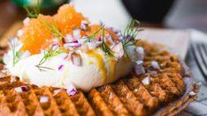 Storslagen påskmiddag – 10 bästa recepten!   ELLE mat & vin Creme Fraiche, Sushi, Waffles, Breakfast, Ethnic Recipes, Frases, Morning Coffee, Waffle, Morning Breakfast