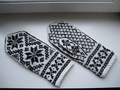Rigmor's Selbu mittens Two Color Knitting Pattern by Rigmor Duun Grande on Ravelry Knitting Charts, Knitting Stitches, Knitting Patterns Free, Hand Knitting, Free Pattern, Knitting Machine, Hat Patterns, Vintage Knitting, Stitch Patterns