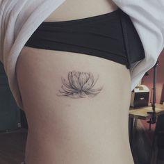 . 물위에 떠있는듯한 연꽃 Lotus #tattoo#lotus#타투#연꽃 #꽃타투#난도타투 @nandotattooer