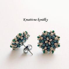 Handmade beaded earrings made with seed beads Tatting Jewelry, Seed Bead Jewelry, Bead Jewellery, Seed Bead Earrings, Beaded Jewelry, Stud Earrings, Seed Beads, Beaded Rings, Beaded Bracelets