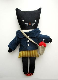 I love this quirky little doll from 'inside a black apple' Softies, Little Doll, Little Girls, Little Presents, Black Apple, Fabric Toys, Paper Toys, Cat Doll, Doll Toys