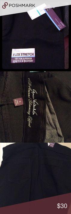 NWT Gloria Vanderbilt black slacks These are size 16 misses, brand new Gloria VB AVERY comfort flex stretch, pull on, mid rise, black pants. Gloria Vanderbilt Pants Straight Leg