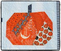 Quilt Inspiration: Free Pattern Day: Halloween Halloween Quilt Patterns, Halloween Quilts, Halloween Fabric, Halloween Table, Halloween Stuff, Halloween Crafts, Halloween Ideas, Halloween Costumes, Mug Rug Patterns