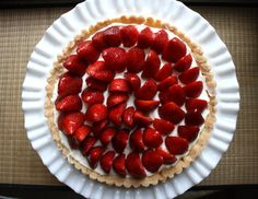 Easy Strawberry Tart - Sweet & Savory Kitchens