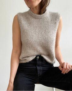 Crochet Crop Top, Knit Crochet, Crop Top Pattern, Knit Vest, Sweater Weather, Knitwear, Knitting Patterns, My Style, Sweaters