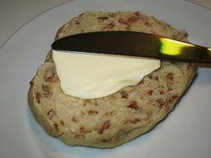 En blog om madlavning til hverdag og fest. Der er fokus på smag og eksperimenter. Opskrifter, madlavning, bagning.