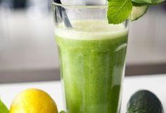 Sexy Slank Smoothie: 1 limoen, 1/2 citroen, 5 muntblaadjes, 1 komkommer, 60 ml water.
