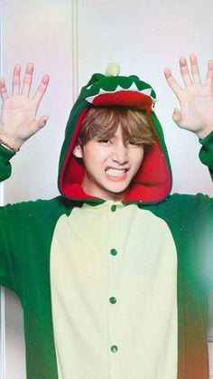 Foto Bts, Bts Photo, V Bts Cute, Bts Love, Bts Taehyung, Suga Suga, Bts Jimin, V Bts Wallpaper, Bts Lockscreen