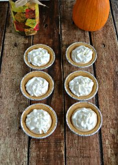 Easy 3 Ingredient Pumpkin Pie is a fabulous fall treat! Slow Cooker Recipes Dessert, Best Dessert Recipes, Easy Desserts, Delicious Desserts, Amazing Recipes, Cake Mix Recipes, Tart Recipes, Sweet Recipes, Yummy Recipes